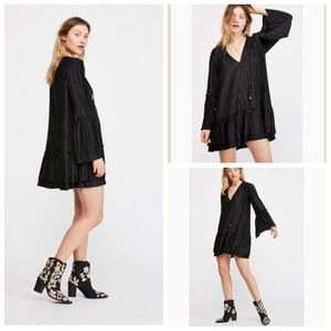Free People Dresses - NWT-FP Can't Help It Bell Sleeve Dress (Black) XS